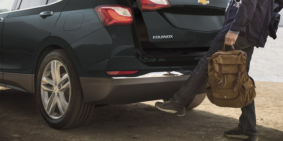 Chevrolet Equinox 2020, camioneta SUV abre con un simple movimiento de tu pie por debajo de la defensa